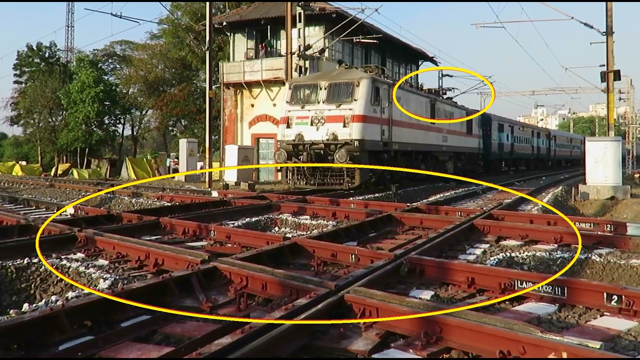 One & Only Diamond Crossing in India : Special Coverage : Pantograph Up -  Down : Vidarbha Express