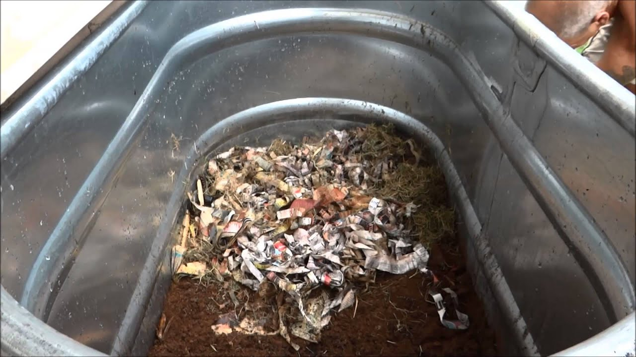 worm composting how to create your own worm bin youtube. Black Bedroom Furniture Sets. Home Design Ideas
