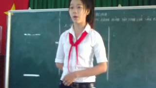 học sinh THCS Nguyễn Tuấn Việt hát vọng cổ