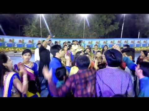 Gujarat ki bhumi pe zingat dance  ( patel group )