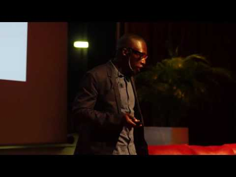 Habiter Autrement | Issa Diabaté | TEDxAbidjan