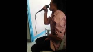 karaoke ,singing love on top nice voice!!!!!