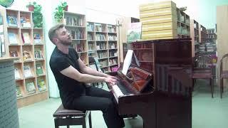 Евгений Крылатов ''Прекрасное далеко'', исполняет Денис Сорокотягин