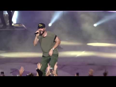 Sam Hunt - Concert opening & Leave the Night on