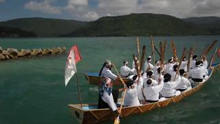 西表島船浮の節祭 舟漕ぎの様子