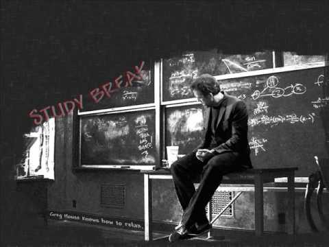 Elvis Costello - Beautiful (Christina Aguilera cover) - House soundtrack