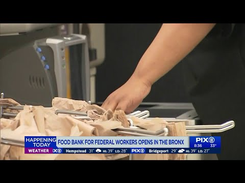 Food bank for federal workers opens in the Bronx