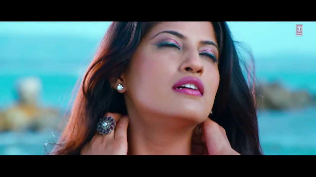 Simran Sachdeva Sexy Saree Song In Beach Exposing Everything