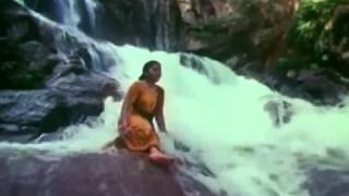 odugira thanniyila achamillai achamillai tamil song