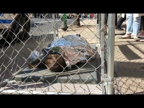 شاهد: أقفاص في شوارع نيويورك تعبيرا عن رفض فصل أطفال المهاجرين عن ذويهم…  - 21:53-2019 / 6 / 13