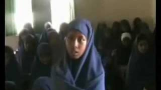Girl Reciting Quran (gabar somali)