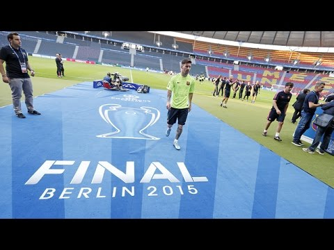 Champions League Final: FC Barcelona training session in Ber