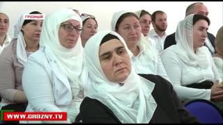 Руководитель Росообрнадзора Сергей Кравцов проверил процесс подготовки к ЕГЭ в Чечне