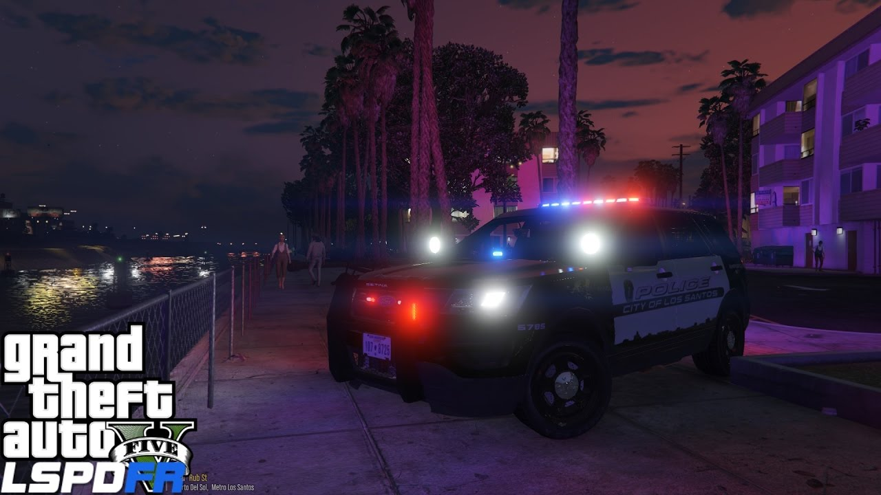 GTA 5 LSPDFR Police Mod 268 | 2016 FPIU ELS Style Lights | Overturned Car  In Vespucci Canals