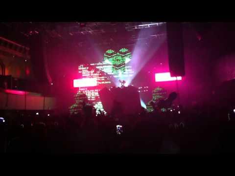 Deadmau5 - Limit Break + Animal Rights. Live @ Roseland Ballroom. 10-06-11. HD.