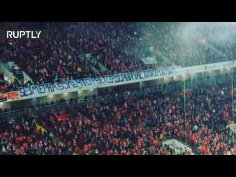 Soccer fans pay tribute to victims of St. Petersburg Metro blast