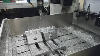 알루미늄프로파일 유리선반용 브라켓 가공