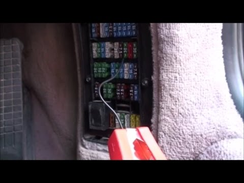 Dead Battery Opening the bonnet on a Boxster 986 - YouTube