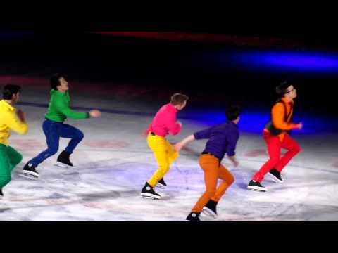 2014 Stars on Ice Five male skaters