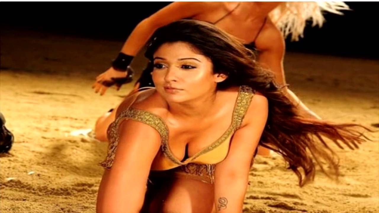 Sexy pictures of nayan thara