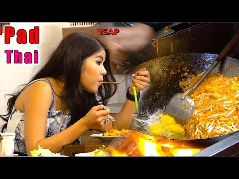 The Legendary Pad Thai – The most famous Thai foods noodle restaurant on Earth | Bangkok Street Food