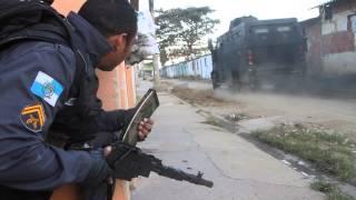 Intenso tiroteio na favela de Antares em Santa Cruz