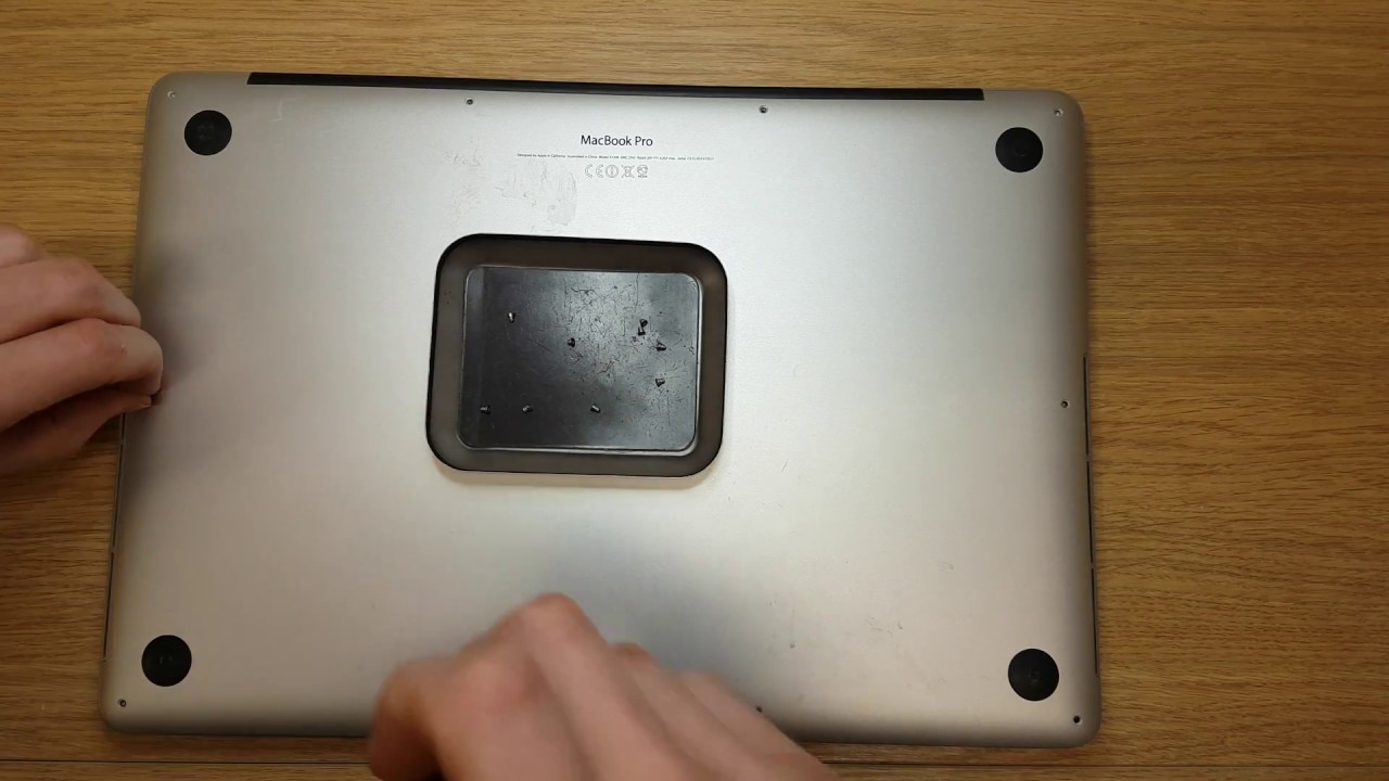 how to clean out macbook