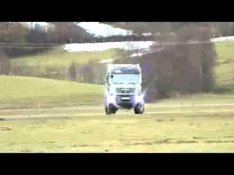 Action Mobil, le camping-car poids lourd de l'extreme !