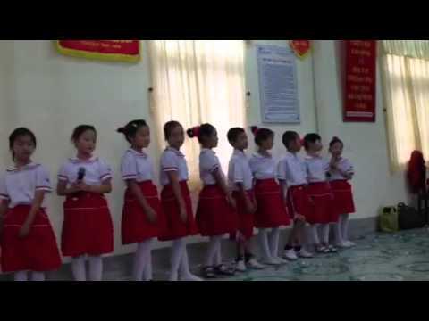 Tập thể lớp 3a1 tiểu học Trần Phú