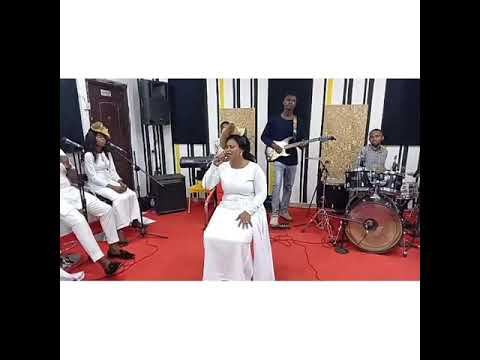 Download Adenike Omidiji @ Yahweh is Here 3 ministering 'Mimo' by Sola Allyson's song.