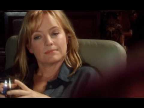 Rebecca Gibney  in Stingers