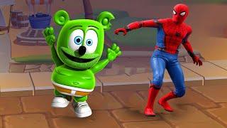 WHO IS BETTER? SPIDER MAN VS GUMMY BEAR RUNNING?