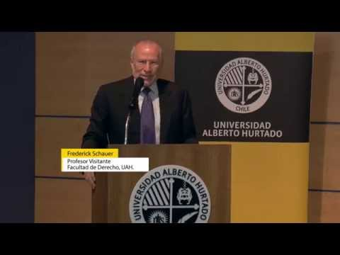 """Thinking like a lawyer"": Conferencia de Frederick Schauer   [2014]"