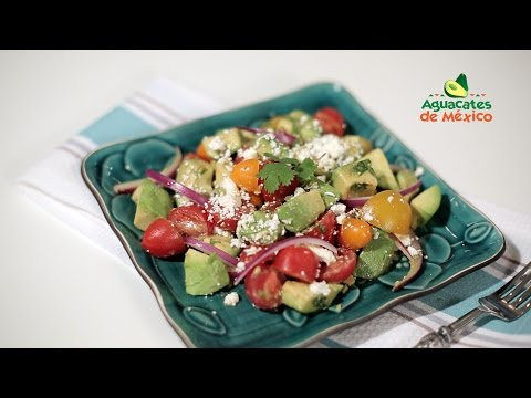 How to Make Avocado and Tomato Salad with Feta Cheese | Muy Bueno