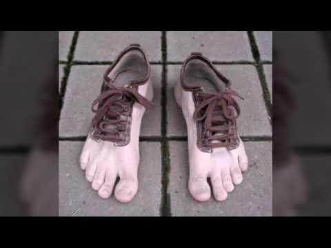online retailer 2be96 67fd2 Le scarpe più strane del mondo