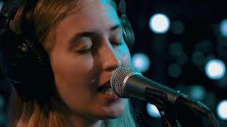 Hatchie - Obsessed (Live on KEXP)