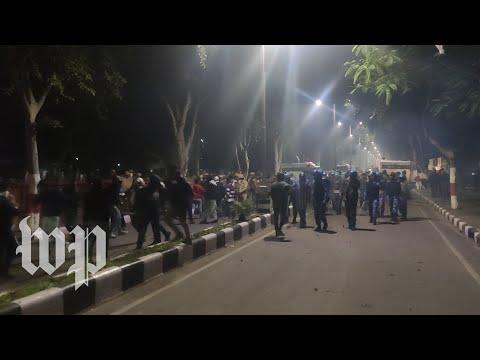 Download  Watch a brutal crackdown on students at a Muslim university in India unfold Gratis, download lagu terbaru