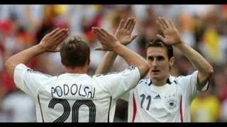Lukas Podolski singt Bitte, nä!
