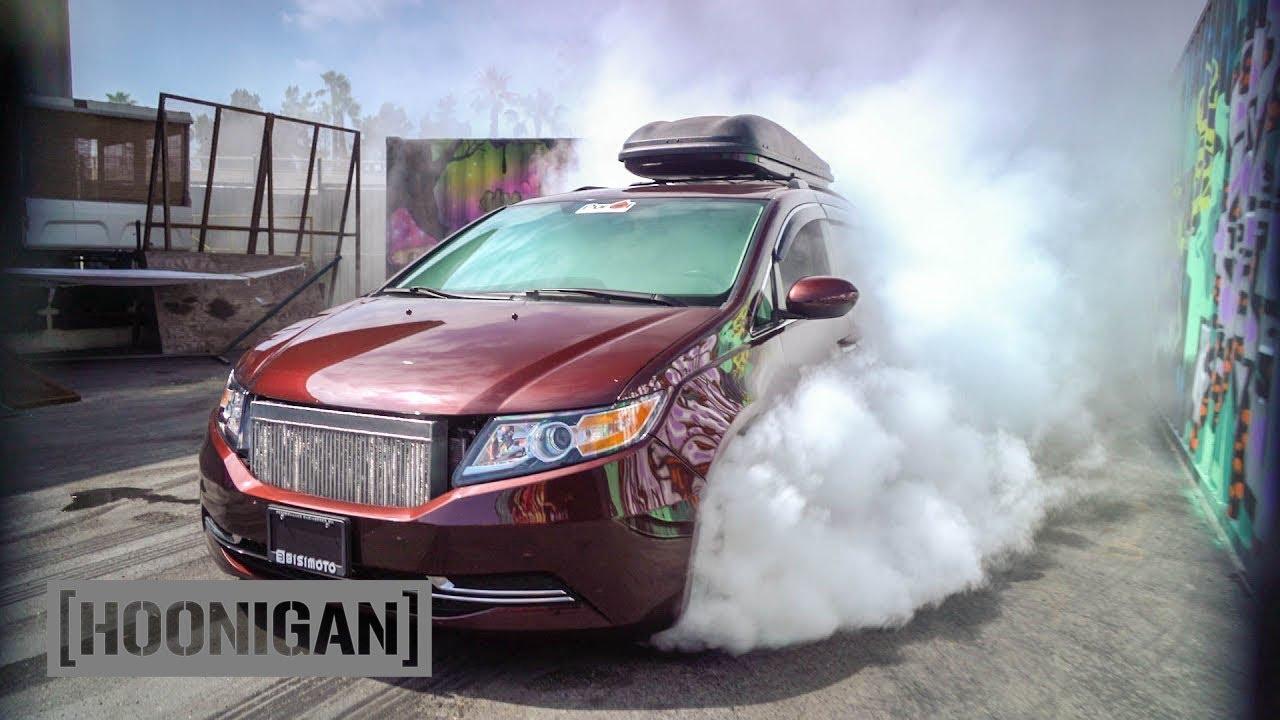 [HOONIGAN] DT 052: 1000HP Minivan Burnout (Bisimoto) - YouTube