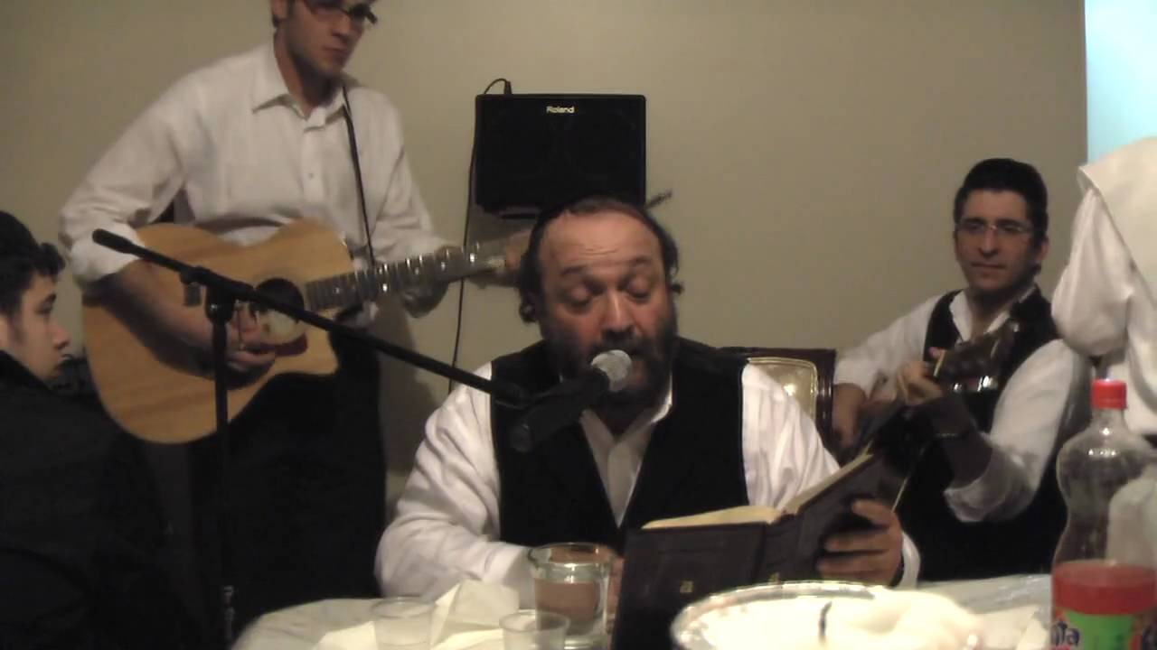 Yehuda Green singing Birchas Rosh Chodesh