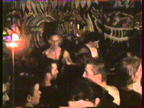 STRAIGHT UP (Rennes Beatdown Hardcore) - Live at Tom Bar in Nantes (France) - June the 1st 1996