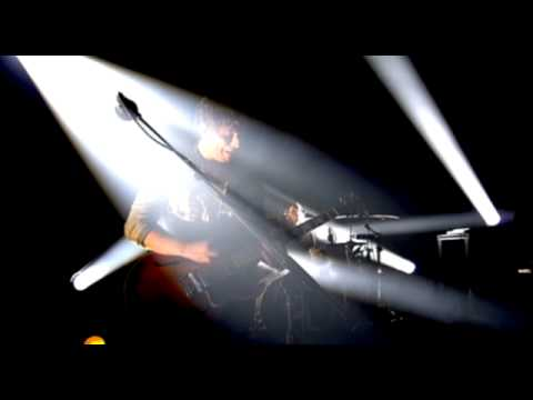 Kings of Leon- Crawl (Live) official video