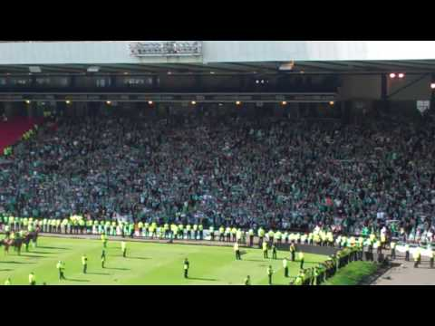Hibs fans sing Glory Glory