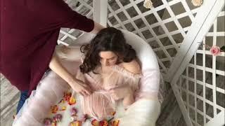 Фотосессия беременности в ванной<
