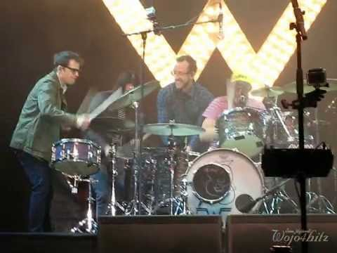 14/14 Weezer - Buddy Holly + Drumming Encore @ Rock the Park, London, ON 7/24/14