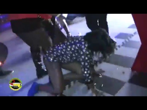 dhq-sher-fights-with-two-female-dancers-in-kingston-night-club