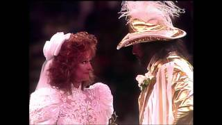 Randy Savage and Elizabeth Wedding PT 1(Macho Man Randy Savage marries the beautiful Miss Elizabeth - Oh Yeah! - SummerSlam 1991., 2012-01-31T21:47:06.000Z)