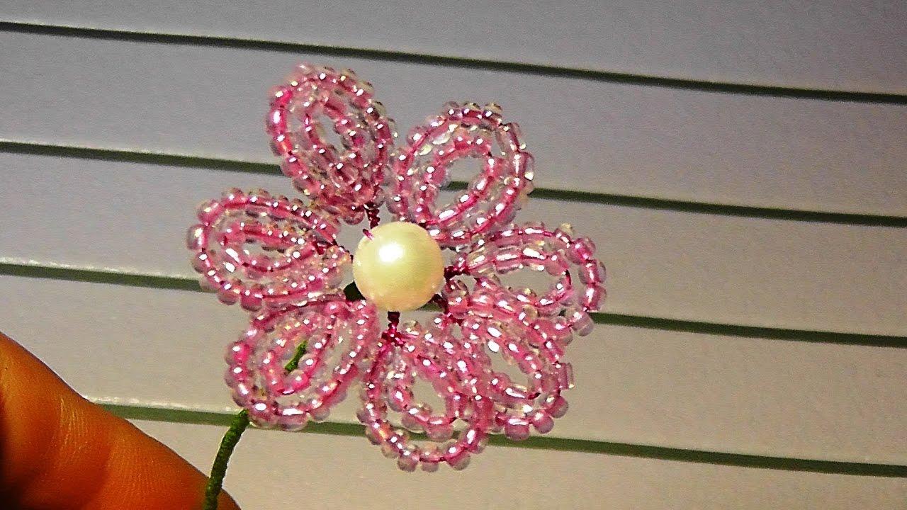 Как сделать маленький цветок из бисера 520