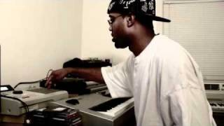 MAKING A BEAT (THIS COULD BE RNB OR HIP HOP) HOT!!!!! Video