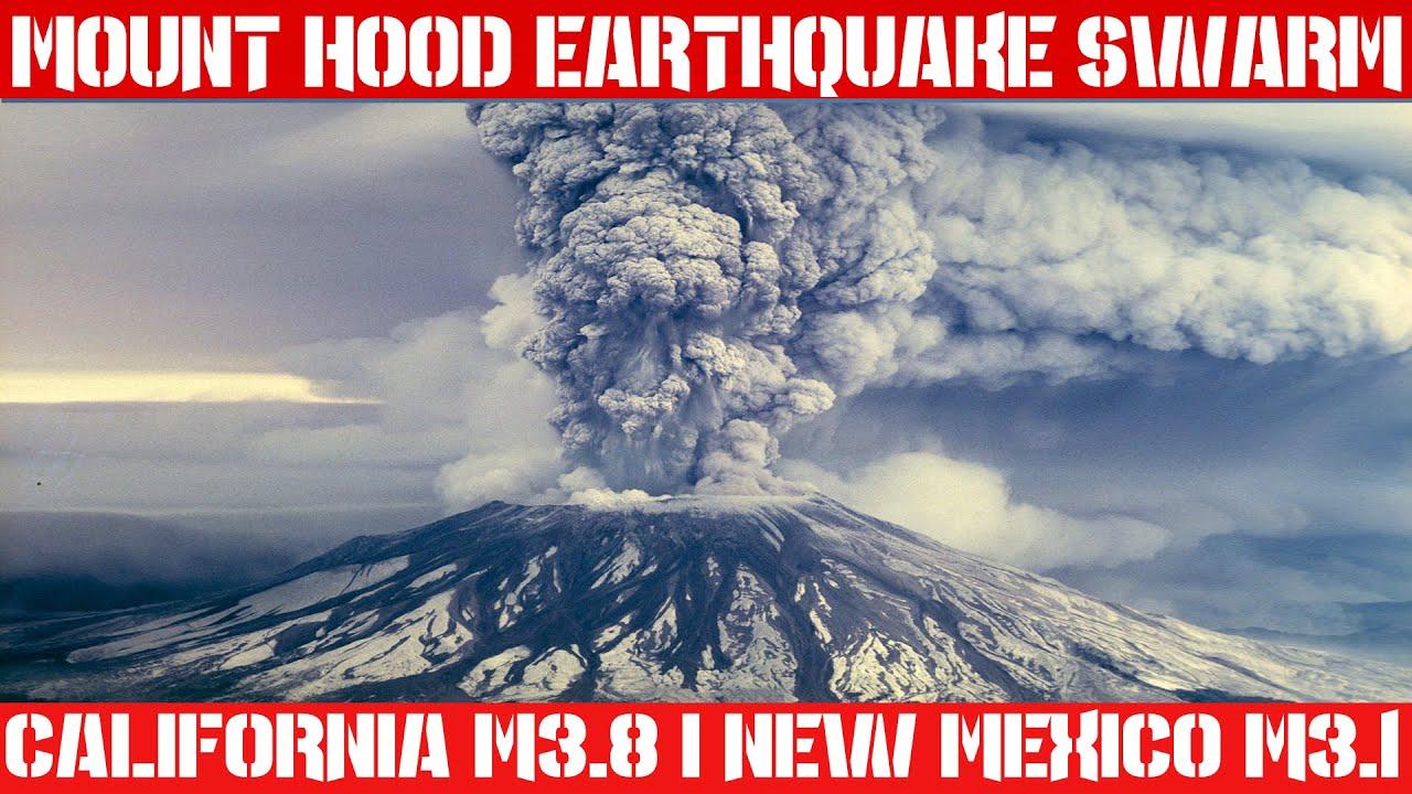 What type of volcano is Mount Hood?